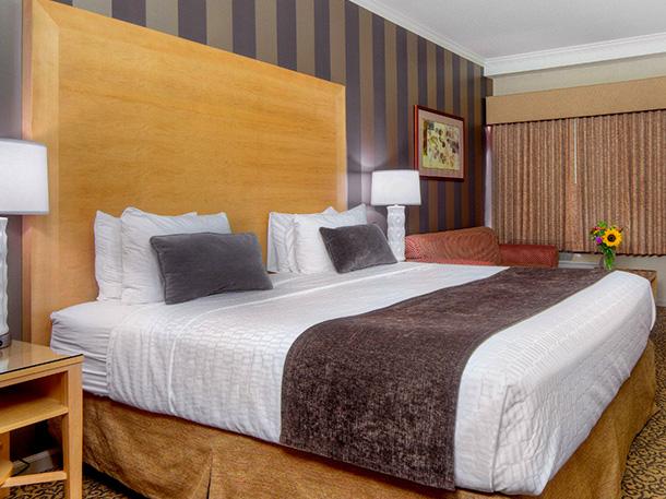 Dixon King Bed Rooms in Best Westeren Plus Dixon Davis, California